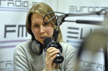 Екатерина Оаро у микрофона | Вдохновить на роман