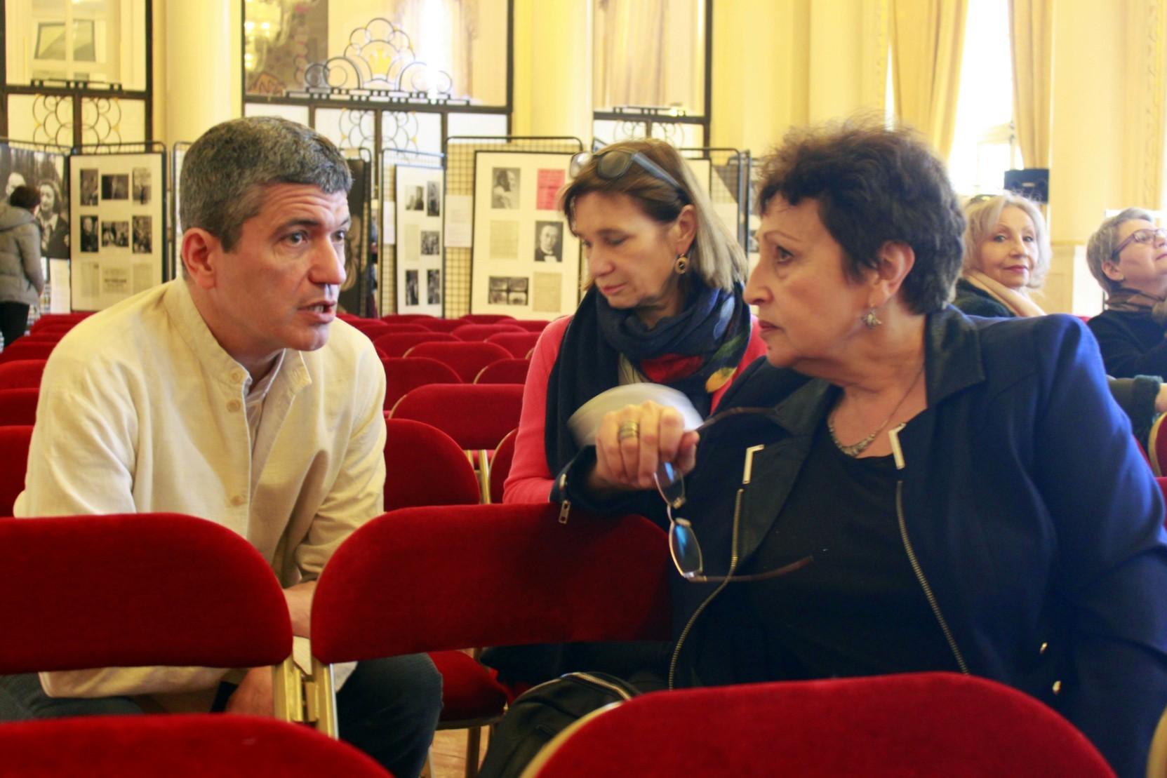 Дни русской книги в Париже Дина Рубина и ее переводчики | Вдохновить на роман